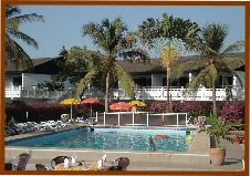 Bungalow_Beach_Hotel_with_swimming_pool_sun _terrace